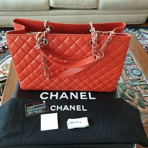 CHANEL GST XL Blood Orange Caviar